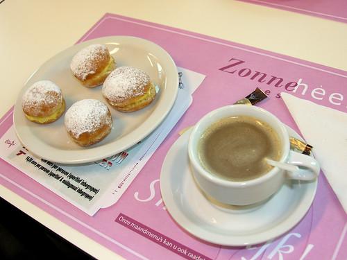 Koffietafel met humor © Antheunis Jacqueline