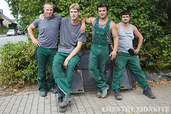 BCW OVERALLS GREEN -002 (finsen65) Tags: blue overalls worker collar bluecollar bluecollarworker