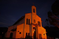 Iglesia Rio Arriba (Carlos Valencia.) Tags: noche nubes nocturna largaexposicion nex7