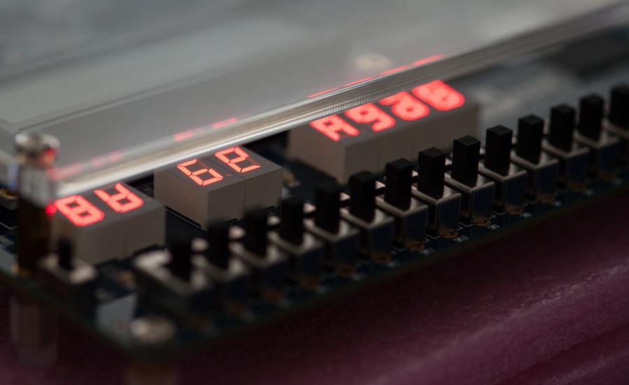 FPGA programming at kwartzlab 104