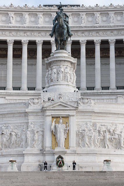Complesso monumentale del Vittoriano, Altare della Patria e monumento equestre a Vittorio Emanuele II