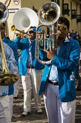 Trombone player (Théo Estampe) Tags: voyage sol peru cuzco del banda fiesta cusco du player musica trombone guide tradition musique tourisme routard perou jupes festital