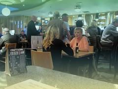 Prestwick Pioneers (Bricheno) Tags: ladies girls bar scotland pub inn candid escocia blonde szkocja prestwick wetherspoons schottland scozia cosse jdwetherspoon  esccia   bricheno scoia prestwickpioneer