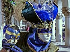 Noi due (quale vi pare) (stendol [L.B.W.L.]) Tags: carnival venice two mask you want carnevale venezia due vi pare noi maschera maschere carnevaledivenezia quale doppia