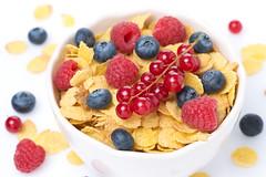 cornflakes (cook_inspire) Tags: breakfast dessert berries