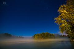 Via Lactea y niebla en el rio Negro