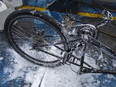 No. 1134 - 15 de junio/16 (s_manrique) Tags: agua lavadero espuma mojado llanta