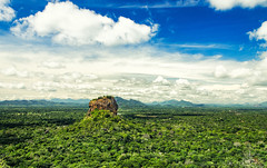Jungle tooth (SteTre.) Tags: trees green rock clouds landscape asia best srilanka lk sigiriya centralprovince