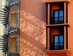 Escalera de caracol (camus agp) Tags: espaa hotel arquitectura panasonic sombras escaleras marbella balcones fachadas fz150