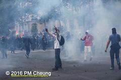 Manifestation nationale  Paris contre la Loi travail - 14.06.2016 - Paris - IMG_4895 (PM Cheung) Tags: paris demo frankreich police demonstration polizei proteste manif manifestation bac sncf crs arbeitsmarktreform cgt 2016 csgas wasserwerfer labac krawalle trnengas ausschreitungen franoishollande auseinandersetzungen polizeiprfektur blockaden confdrationgnraledutravail 14juin compagniesrpublicainesdescurit pmcheung euro2016 gewerkschaftsprotest parisdebout blockupy facebookcompmcheungphotography esplanadeinvalides myriamelkhomri mengcheungpo loitravail nuitdebout mobilisationnorme manifestationnationalepariscontrelaloitravail lesboches dmosphre soulevetoi manifestationnationaleparis 14062016 landesweitegrosdemonstrationgegendiearbeitsmarktreform loitravail14062016 antagonistischenblock