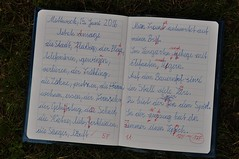 2. klassi viimane ettetlus : ) (anuwintschalek) Tags: school summer home june austria sommer ansage 40mm kalle niedersterreich kool schule kodu margit suvi heft exercisebook 2016 handschrift schreibschrift wienerneustadt lapsed micronikkor nikond90 kekiri vihik ettetlus