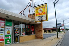 Waldo Cooney's Pizza (Cragin Spring) Tags: city urban usa chicago building sign architecture restaurant illinois midwest neon unitedstates unitedstatesofamerica chitown il pizza southside chicagoillinois chicagoil windycity ashburn waldocooneys