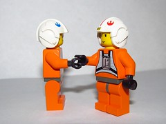 LEGO Star Wars Rebel Alliance Pilots shaking hands (Pest15) Tags: lego handshake greeting legostarwars pilots minifigures nationalhandshakeday rebelalliancepilots