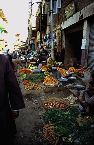 "Ägypten 1999 (206) Im Souk von Luxor • <a style=""font-size:0.8em;"" href=""http://www.flickr.com/photos/69570948@N04/28028907782/"" target=""_blank"">View on Flickr</a>"