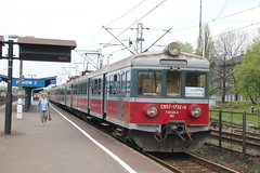 PR EN57-1732 , Jaworzno Szczakowa train station 06.05.2013 (szogun000) Tags: railroad station electric set train canon ir tren poland polska rail railway emu pr passenger trem treno ezt pkp pocig  silesian interregio lskie uyce jaworzno en57 63120 uppersilesia grnylsk przewozyregionalne jaworznoszczakowa canoneos550d canonefs18135mmf3556is en571732 d29133 d29126 d29134 d29156 d29666 d29668 d29669 d29670