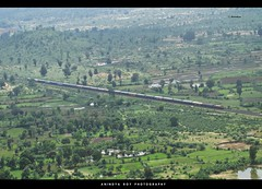 Bird Eye View#1: Mumbai Howrah Superfast Mail (Anindya Roy Photography (catching up)) Tags: india canon hill nagpur indianrailways chattisgarh irfca dongargarh wap4 santragachi mumbaihowrahmail mumbaimail bamleshwartemple
