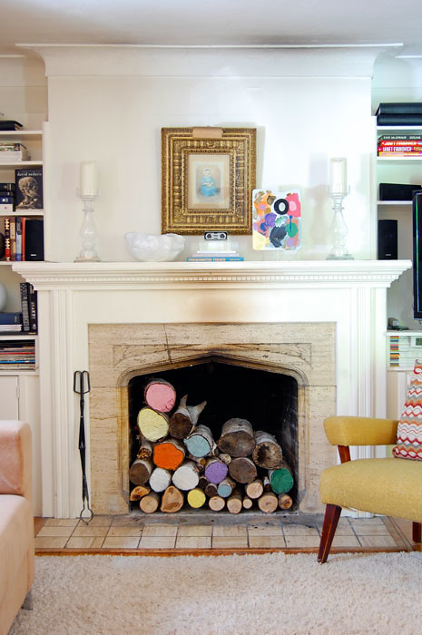 painted-logs-in-fireplace