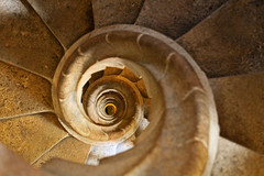 spiral~ ('Carmen') Tags: barcelona spiral spain snail sagradafamilia spiralstaircase goldenlight stonestaircase vision:outdoor=0643