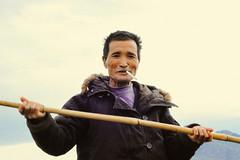 香丽古城游 1st 661-3 (25 minutes) Tags: china sea portrait people lake eos 50mm boat snap row yunnan f18 lijiang lashihai 50d streetsnap 香丽古城游1st