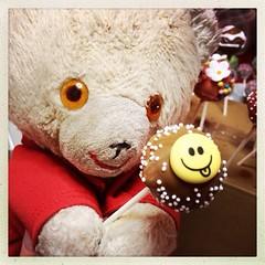 Tag 18 (Bummi Bolle) Tags: cake teddy 365 pops lollies januar teddybr 2014 tag18 bummi cakepops hipstamatic kuchenlollies bummibolle