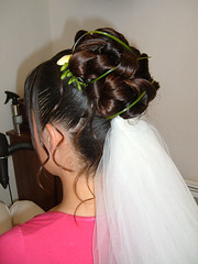 """chignon bas, coque et voile • <a style=""""font-size:0.8em;"""" href=""""http://www.flickr.com/photos/115094117@N03/12082451264/"""" target=""""_blank"""">View on Flickr</a>"""