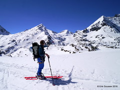 Day 3: Grand Combin, the Mont Durand Glacier and the slopes we skied the very same morning. (Erik.G.) Tags: zermatt chamonix skitouring skitour hauteroute valsorey plateauducouloir