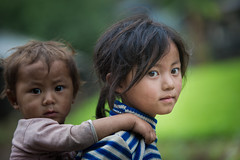 Vietnam: enfants; ethnie des Hmong blanc. (claude gourlay) Tags: portrait people face asia retrato vietnam asie ethnic minority ritratti hmong indochine tonkin hagiang meovac ethnie minorit claudegourlay hmongblanc