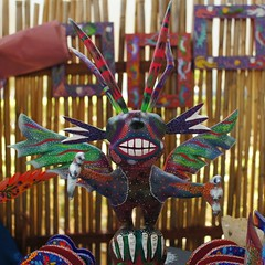 El Arte del Alebrije San Martn Tilcajete, Oaxaca. (Mac1968) Tags: color art birds mexicana madera san martin mexican oaxaca figures artesana colibr handcrafts alebrijes copal tilcajete