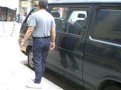 Escaped prisoner have his handcuff chain cut (asiancuffs) Tags: prison handcuffs arrested arrest prisoner handcuffed