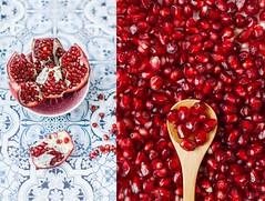 Granatäpfel Love. (www.juliadavilalampe.com) Tags: red stilllife food love frutas fruits rojo comida kernels obst granadina granatäpfel jugosa pepas