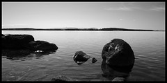 Lake (Arnaud Huc) Tags: blackandwhite bw white mountain lake black water contrast montagne grey nikon rocks eau europe noir noiretblanc sweden lac nb 12 pierres blanc ostersund 1685 d5100 arnaudhuc