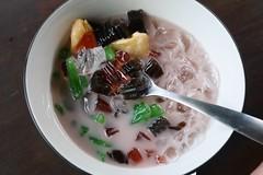 Es Campur (lulun & kame) Tags: bali indonesia asia sweets asianfood jimbaran  lumixg20f17 malaysianindonesianfood