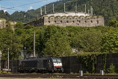 0580__2016_05_18_sterreich_Kufstein_MRCE_dispolok_ES_64_F4_098_DISPO_6189_998_MRCE_dispolok_ES_64_F4_098_DISPO_6189_998 (ruhrpott.sprinter) Tags: railroad train germany u2 deutschland austria tirol sterreich diesel eisenbahn rail zug cargo 64 henry 186 nrw passenger es alpen lm fret gelsenkirchen ruhrgebiet f4 freight innsbruck bb locomotives 139 189 151 193 lokomotive kufstein feste 1016 sprinter ruhrpott gter 6193 1216 wrgl 6186 1116 dispo eloc 6139 6189 mrce reisezug rpool dispolok ellok railjet heizkabel logooutdoor hccrrs unterintalbahn