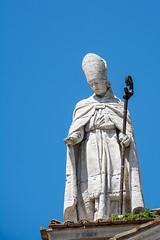 Bischof (grasso.gino) Tags: italien italy white church nikon italia dom kirche figure urbino marche marken figur weis d5200