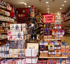 Souvenirs Of Brussels (Smabs Sputzer) Tags: chocolate boxes mannekin pis