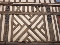 Bernay: vieille maison (vincentello) Tags: bernay maison colombages house normandie