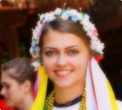 A Romanian beauty (Ioan BACIVAROV Photography) Tags: flowers girls portrait woman flower sexy girl beautiful smile fashion mouth wonderful hair nose interesting glamour eyes women moda greeneyes fete romania mode fille filles photostream romanian fata wonderfulphoto ioanbacivarov bacivarov