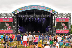 Turin Brakes (Gazza Photography) Tags: people music david festival lights bowie concert iggy outdoor who stage gig crowd band places pop richard artists isleofwight singers ashcroft performers isle songs groups isleofwightfestival iwfestival isleofwightfest iow2016