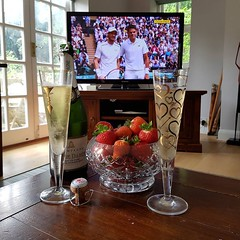 ...it just has to be done!!! C'mon Andy! :-P #andymurray #wimbledon #champagne #strawberry (lsdscuba) Tags: scuba lsd instagram ifttt