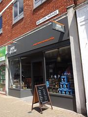 Beer Asylum, Pinner, London HA5 (Kake .) Tags: london pinner tubewalk rgl ha5 tubewalk121