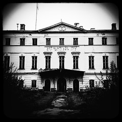 - (Manor Dolgoroukys-Bobrinskys) (Andrey  B. Barhatov) Tags: city urban blackandwhite bw history architecture noir msk worldmap citywalks iphonecamera kitcam