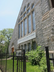 founded 1885 as Kenwood Evangelical Church, Kenwood-Ellis Community Church in 1954, became Kenwood United Church of Christ in 1980 (sassnasty) Tags: chicago walking tour neighborhood hood kenwood hoods