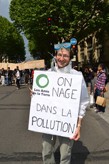 Action contre la pollution de l'air, Paris, le 1er juin 2013 (Les Amis de la Terre France) Tags: ri paris air voiture pollution cov iledefrance vlo sant cologie climat particules vlorution