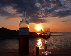 brindisi-al-tramonto-di-luglio (Ernemann) Tags: stilllife art tramonto sicilia naturamorta baia castellucciosiculo