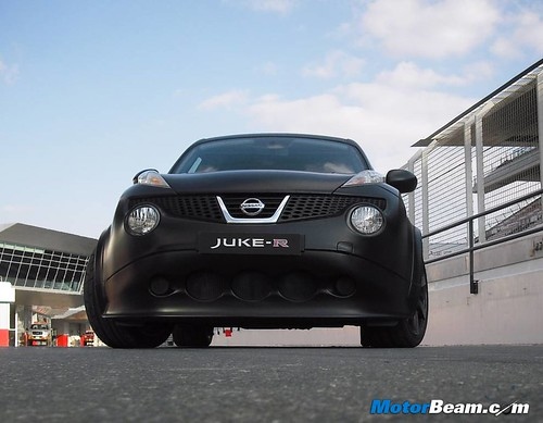 Nissan-Juke-R-18