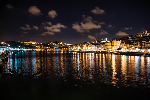 "Porto • <a style=""font-size:0.8em;"" href=""http://www.flickr.com/photos/22550935@N03/10513908593/"" target=""_blank"">View on Flickr</a>"