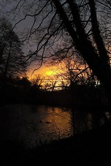 Itchen sunset (treehouse1977) Tags: winter sunset england reflection river hampshire newyearseve navigation itchen brambridge