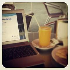 Sabado sabadete, desayuno nuevo y a rematar el curso de #wordpress en la @camaratenerife