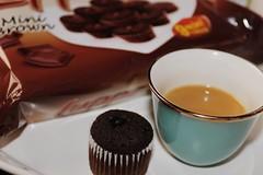 (hayoo ..) Tags: 50mm قهوه كيك تصويري كانون فنجال كبكيك