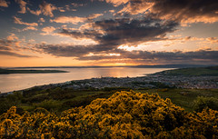 Largs & The Firth of Clyde (GenerationX) Tags: sunset sea summer sky water yellow clouds river landscape outdoors mackerel islands evening scotland clyde unitedkingdom dusk scottish neil brisbane steeple gb rays arran aubrey barr knockhill gorse ayrshire largs inverclyde firthofclyde isleofbute greatcumbrae lochstriven canon6d